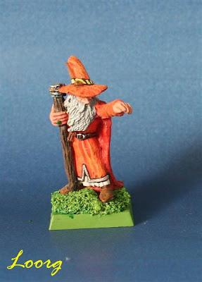Gandalf pintado de naranja