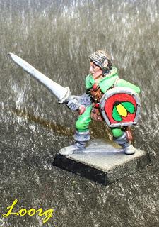 Elfo Silvano con espada