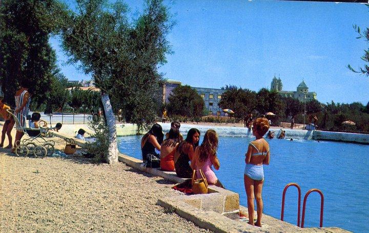 V lez rubio cuando el lago mes n era la piscina for Cuando abren las piscinas