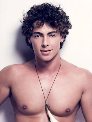... ganhador do Mr. Gay Brasil no ano passado. O belo rapaz de olhos verdes ...
