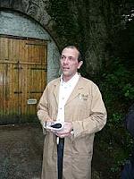 Hervé Mons devant son tunnel (SNCF) d'affinage