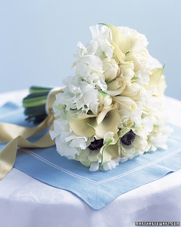 White Bouquets Painterly This clutch of shapely blooms in tones of cream