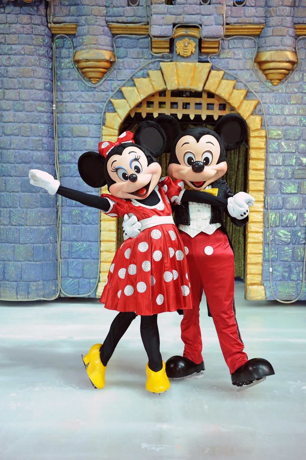 Mickey and Minnie The new FDA approved antidepressant labels confirm that the risks with ssri ...
