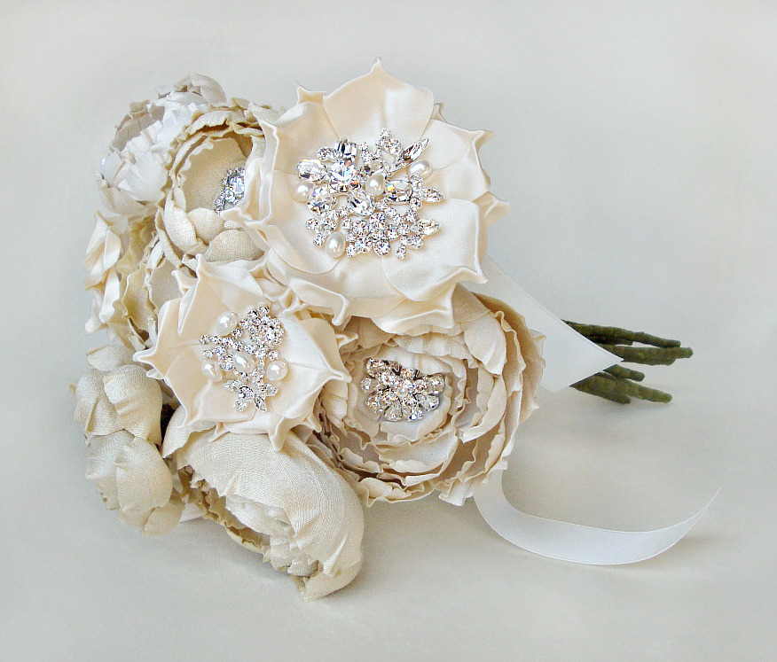 Wedding Flowers In Silk : The bride s diary? stunning silk flowers by emici bridal