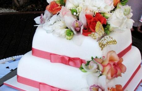 Wedding Gift Delivery Brisbane : The Brides Diary Brisbane: Heavenscent Wedding Cakes
