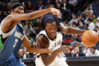 Minnesota Timberwolves fighting to hold on against the the Memphis Grizzlies