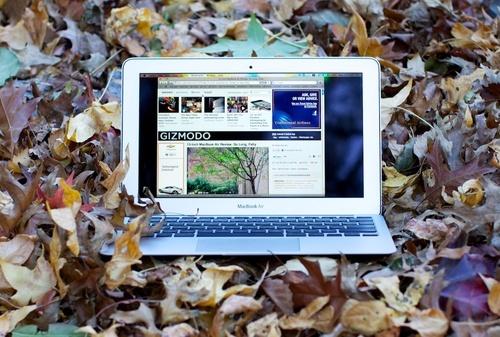 compaq presario cq56-111sa laptop. tiny Apple laptop since