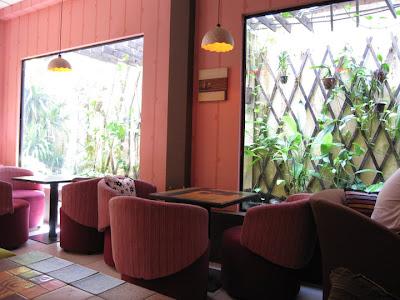 http://4.bp.blogspot.com/_aD6daT_bJ7k/TIhAHYNHarI/AAAAAAAABVc/RBF3D1li6TI/s400/Cafe+M%E1%BB%99c+%2812%29.jpg