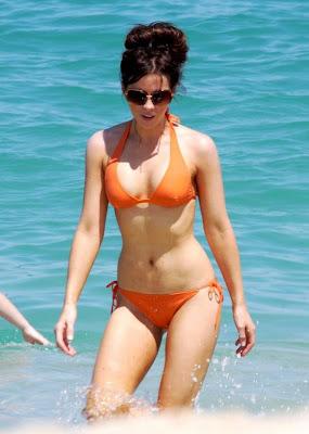 Bikini Mom : Kate Beckinsale Cabo Vacation