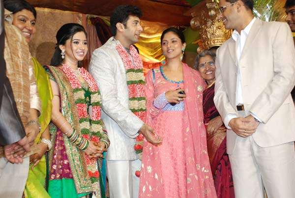 [jayam_ravi_wedding_reception_photos_34.jpg]