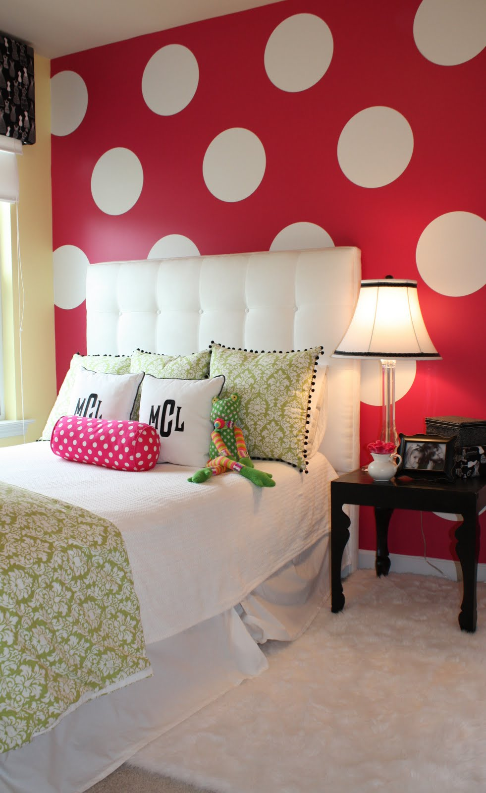 Ideas for shelby 39 s minnie mouse bedroom on pinterest Cute bedroom wall ideas
