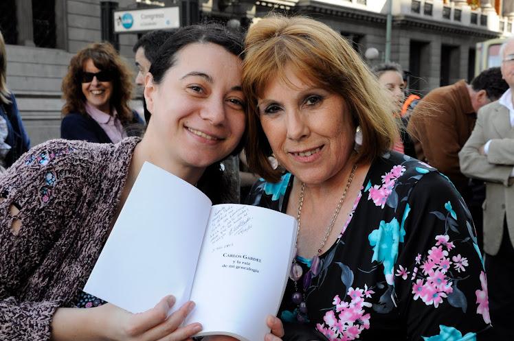 """LIBRO DE LA PROFESORA IRENE GARDES -""""CARLOS GARDEL y La raíz de mi genealogía"""""""