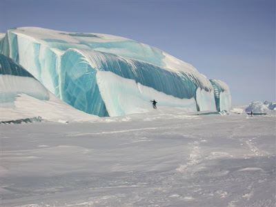 glaciar de hielo transparente