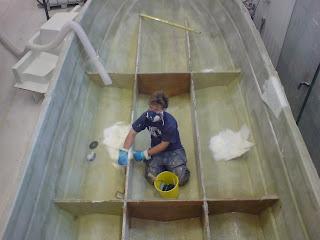 plasta båt hur många lager