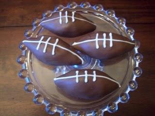 [football+cake+bites]