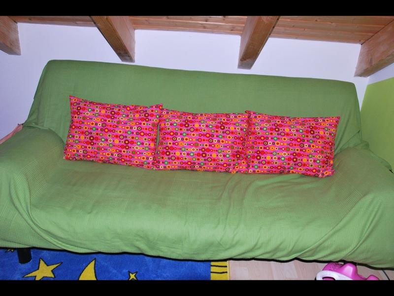 moppimei die verwandlung eines sofas. Black Bedroom Furniture Sets. Home Design Ideas