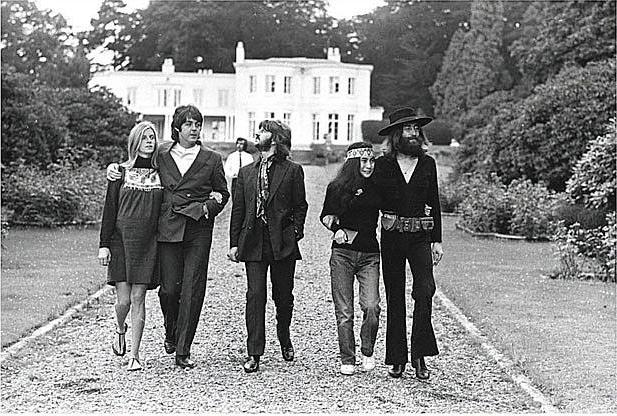 Linda Paul Ringo Yoko And John McCartney Was Pregnant Gave Birth To Mary 5 Days After This Photo Taken