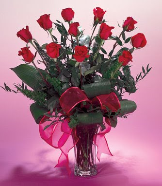 Valentine's day gift. florist-flower-valentine-day-roses-flower-delivery