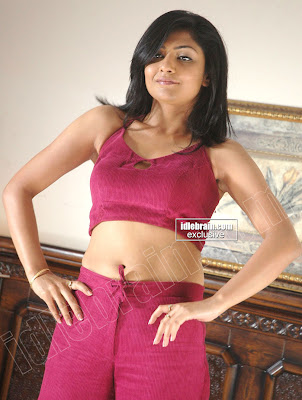 KAMALINI MUKERJEE Super Hot Masala Exposure Photoshoot Pics