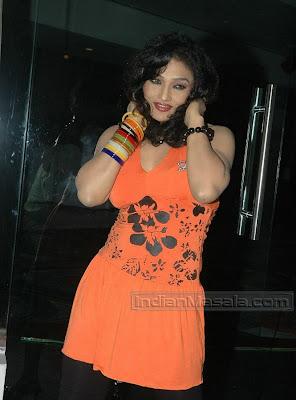 Sexposing Actress RAMYA SRI striking Hot Poses at Telugu film Saradaga Kasepu audio launch