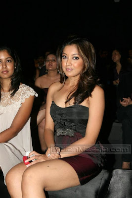 MASALA BLOG Hot Actress TANUSHREE DUTTA Hot Pics in Black Dress