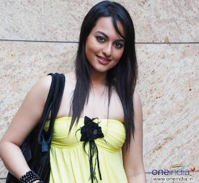 Sonakshi Sinha turns Mirchi