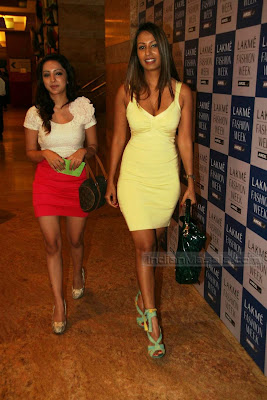 DESI MASALA HOT Kashmira Shah Pics Hot at LAKME FASION WEEK