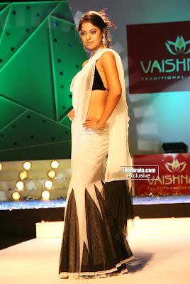 TAMIL HOT ACTRESS On the Ramp Actress BINDHU MADHAVI Spicy Hot Photos