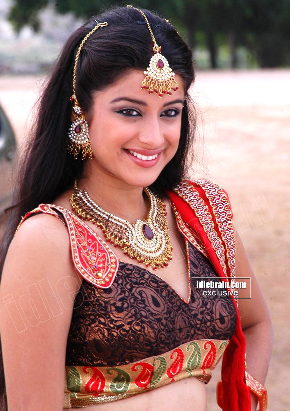 HOT INDIAN ACTRESS BLOG: TELUGU HOT Actress MADHURIMA Hot Masala Pics ...