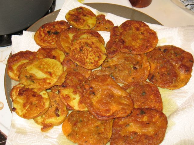... My Kids Will Eat (or sometimes not): Potato Fritters, Indian style
