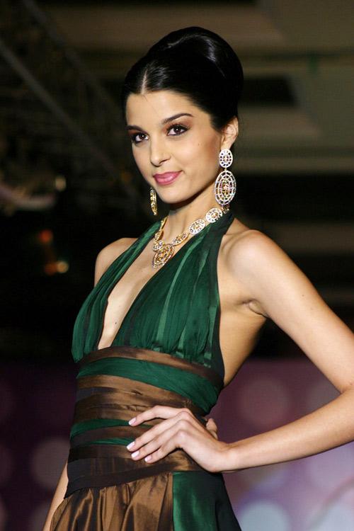 Giselli Monteiro / Giselle Monteiro - Bollywood Photos