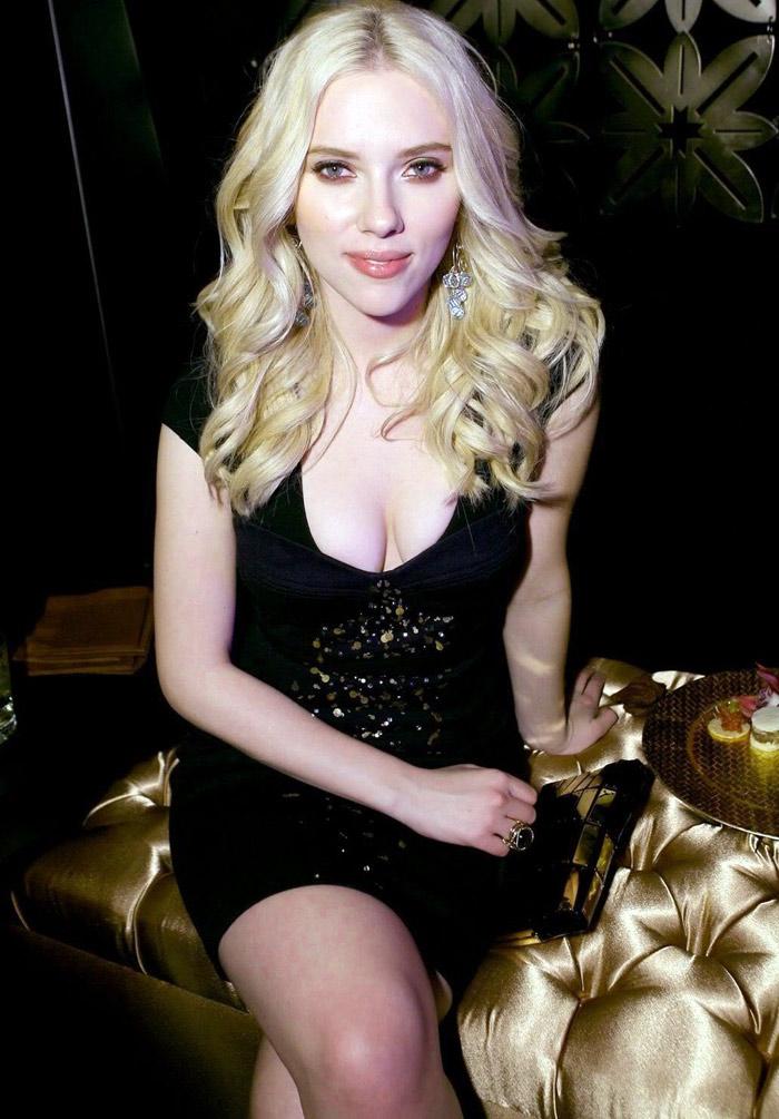hot scarlett johansson wallpapers for. Scarlett Johansson Bikini