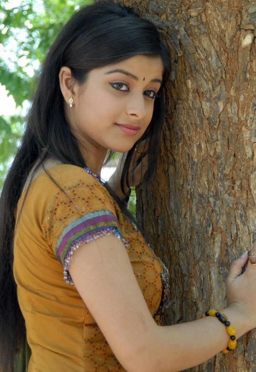 Actress Madhurima Beautiful Photo Album hot images
