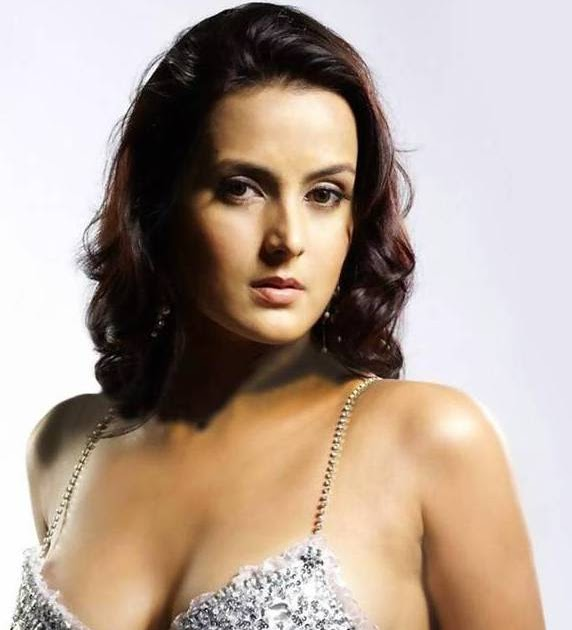 Tulip Joshi Nude Photos 94