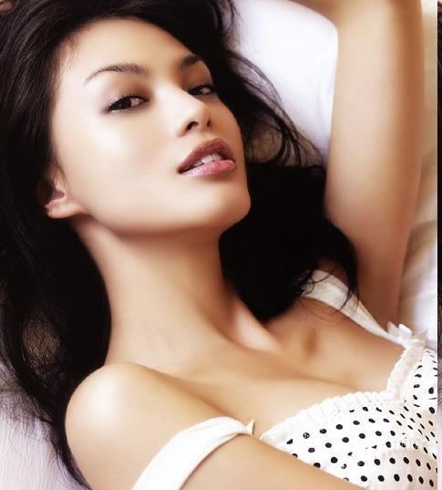 Carmen Soo Wai Mun in Hot Bikini  show