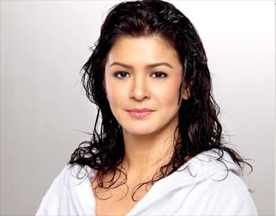 Sandy Andolong Net Worth