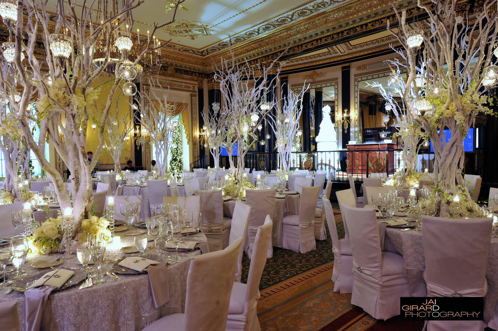 Winter wonderland wedding centerpieces wedding decorations for Wedding reception room decoration ideas