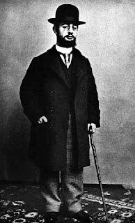 Toulouse Lautrec was described as a midget (although he was over five foot tall)