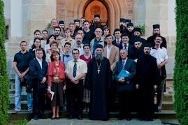 Fotografie de grup cu participanţii la Colocviile Putnei