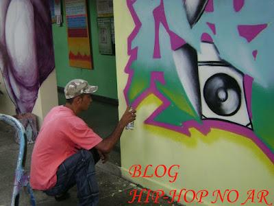 http://4.bp.blogspot.com/_aRioRz9OGT8/STva7Rol3-I/AAAAAAAAAVQ/tcl8WSJ7UqU/s400/hip-hop+em+a%C3%A7ao+010+c%C3%B3pia.jpg