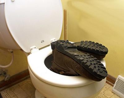 http://4.bp.blogspot.com/_aRx6oHiE5fQ/SSHec5QtL-I/AAAAAAAAAqg/4BZ0tXRx64s/s400/flush.png
