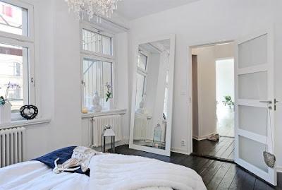 Liten lya svarta eller vita golv for Miroir nissedal