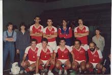 acompanhando Futsal desde 9 anos mas ai ja estou com 11 primeiro da em pe da direita pra esquerda