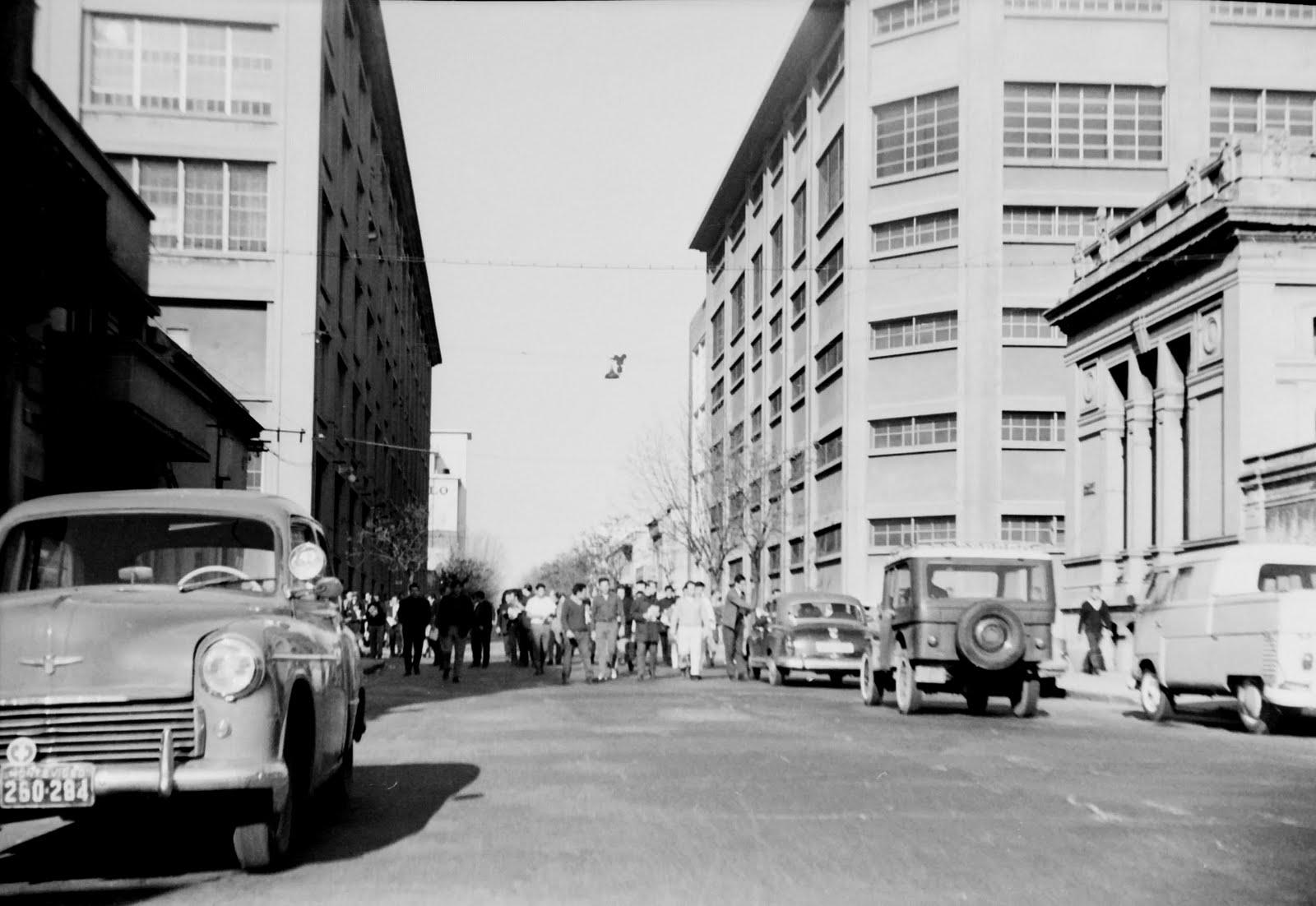 Recuerdos del 68 en Montevideo, Uruguay. Facultad de Medicina y Química junto a la Fábrica de Alpargatas.