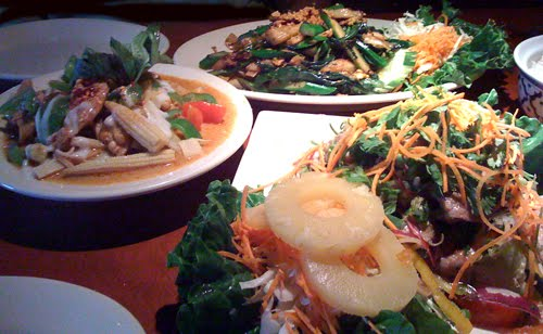 Hmong Can Cook: 1st Restaurant Review: Amazing Thailand, Minneapolis