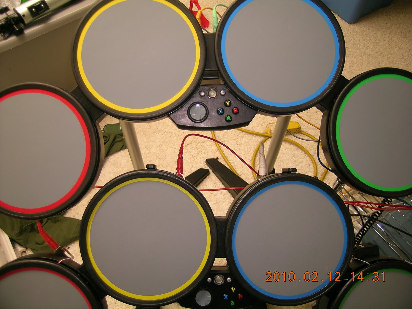 This is my electronic drums that i built from rockband drums.