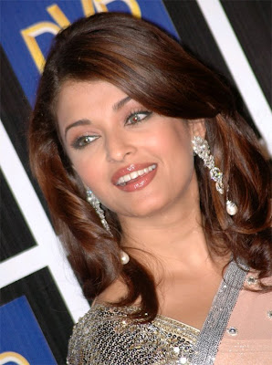Aishwarya Rai Latest Romance Hairstyles, Long Hairstyle 2013, Hairstyle 2013, New Long Hairstyle 2013, Celebrity Long Romance Hairstyles 2361