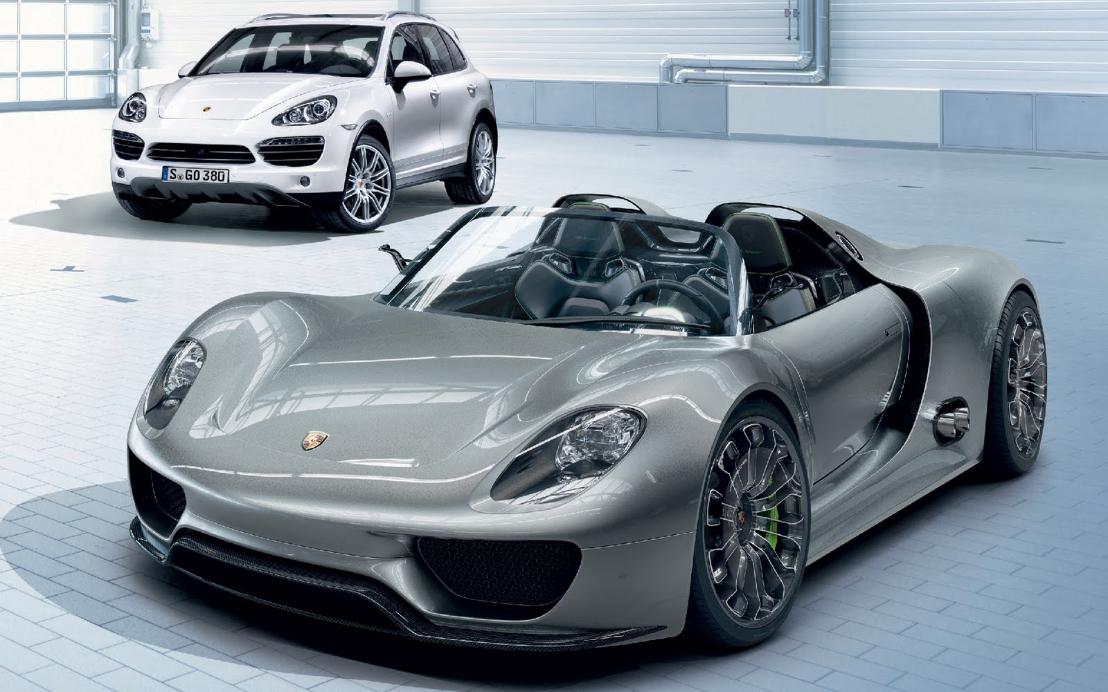 clutch drop porsche bringing 918 production model to. Black Bedroom Furniture Sets. Home Design Ideas