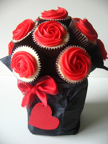 My Vintage Love Affair Too Cute Valentines Day Cupcake Bouquet