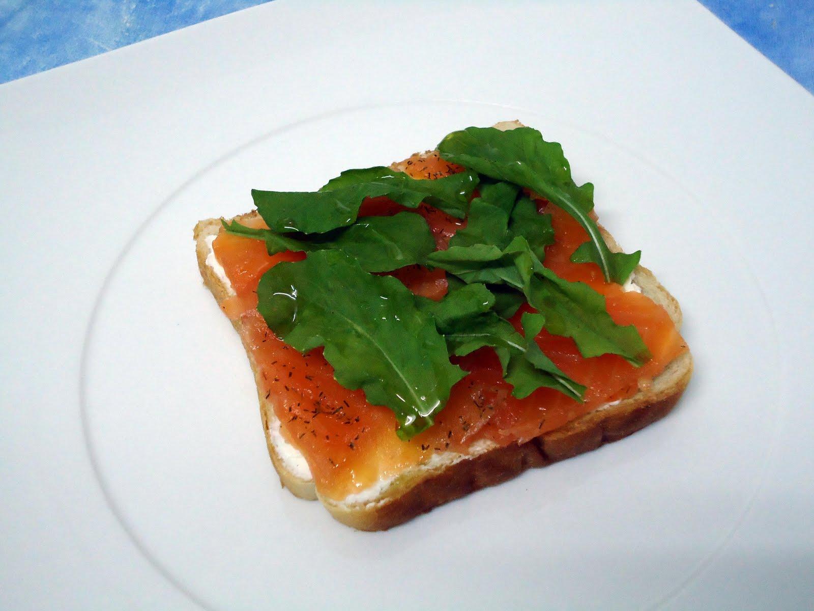 Mis recetas de cocina pincho de salmon ahumado y rucula - Tapas con salmon ahumado ...